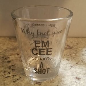 ⭕🔴Never been used shot glass